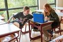 Om leerachterstanden als gevolg van de coronacrisis weg te werken is minstens 700 euro per leerling beschikbaar.