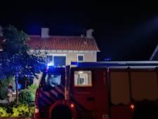 Bliksem slaat in in schoorsteen van woning in Doetinchem: veel schade, bewoner onwel
