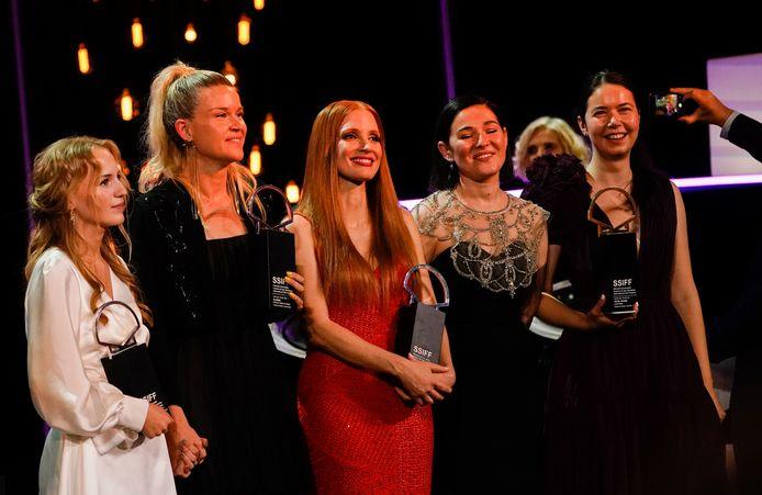 Flora Ofelia Hofmann Lindahl, Tea Lindeburg, Jessica Chastain, Gabi Suciu et Alina Grigore