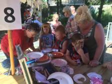 Drukte en dorpse gezelligheid bij Macharense kermisfeesten