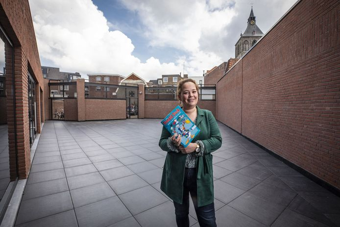 De bibliotheek Oldenzaal begint het project Maakplaats onder leiding van Leonie Schepers.