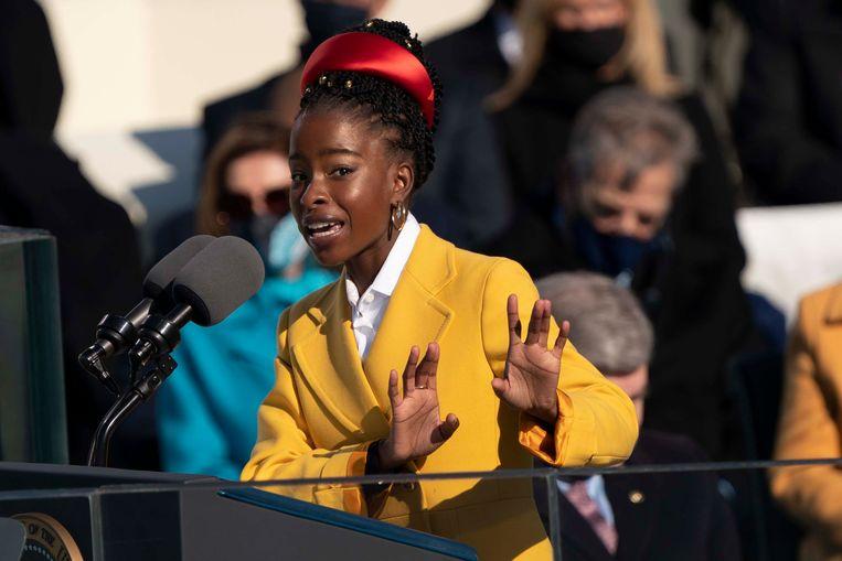 Amanda Gorman tijdens de inauguratie van Joe Biden tot president.  Beeld Brunopress