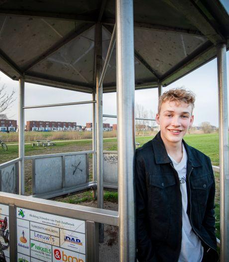 Lukas (17) wil dat jongeren in Zuidbroek een eigen honk krijgen: 'Als het maar een dak heeft'