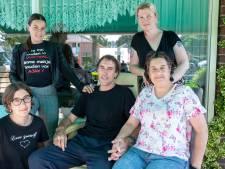 Crowdfund voor traplift voor ALS-patiënt Dirk (48): 'Hij vindt het vreselijk om afhankelijk te zijn van anderen'