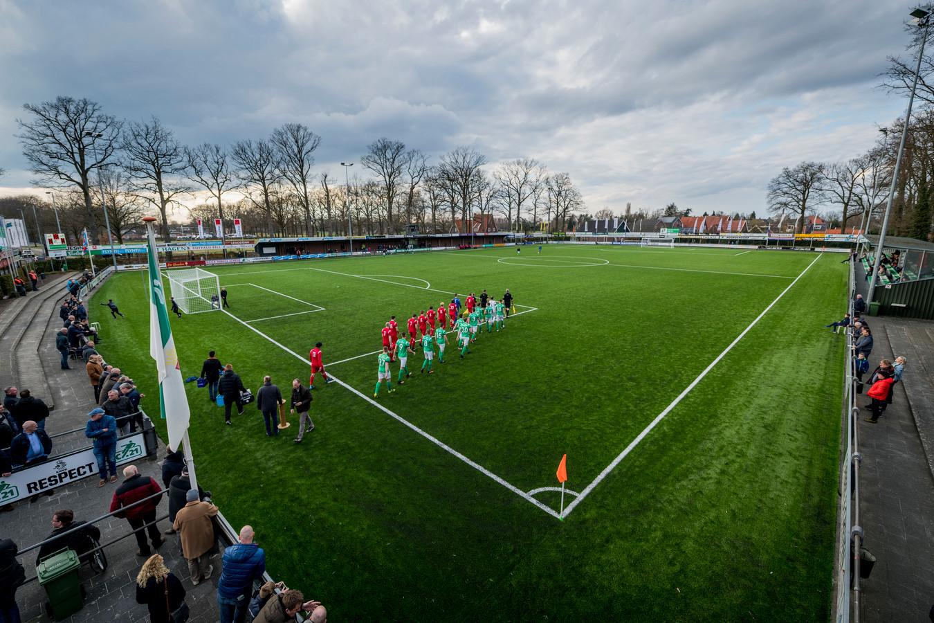 Lucas Selfhout (18) en Reangelo Nicolaas (20) spelen vanaf volgend seizoen op Sportpark Scholtenhagen.