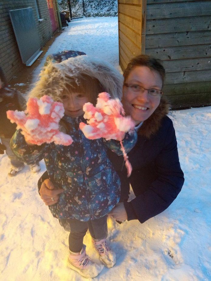 Sneeuwpret bij het ophalen van school en thuiskomst in Nijmegen.