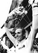Joop Zoetemelk en Hennie Kuiper worden gehuldigd voor de Ronde van Boxmeer in 1980.