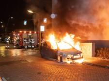 Opnieuw raak in Alblasserdam: auto brandt volledig uit