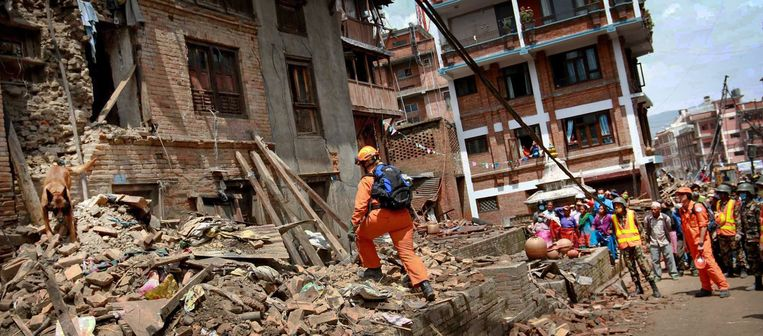 In 2015 werden de Nederlandse hulpverleners van reddingsteam Urban Search And Rescue (USAR) ingezet in Nepal, na een verwoestende aardbeving. Beeld ANP/Pooja Pant