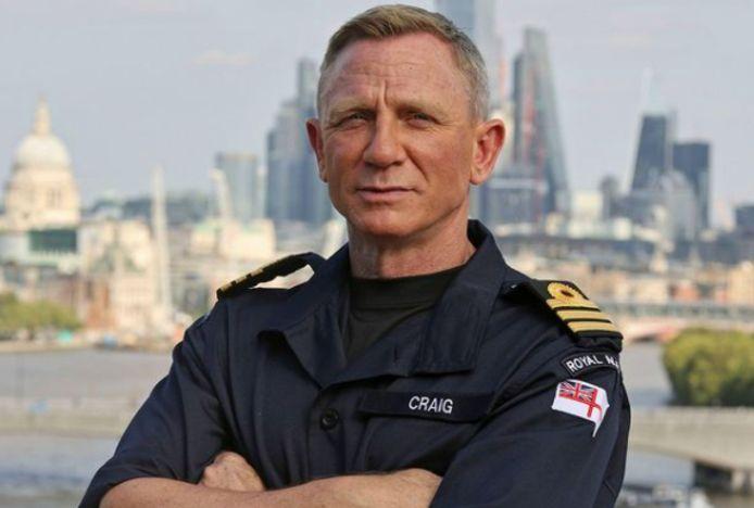 Daniel Craig is erecommandant bij de marine.