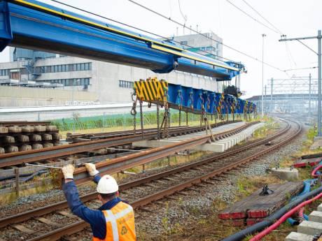 Marcel (42) fikst de nieuwe bovenleiding bij station Zwolle: 'Om 04.00 uur eruit? Ach ja...'