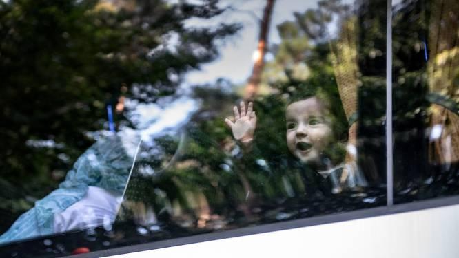 Zo komen de eerste Afghanen aan op Heumensoord: opnieuw wiegen de engelen van Nijmegen