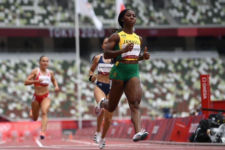 Ook Jamaica's Shelly-Ann Fraser-Pryce (hier in actie in Tokio) loopt toptijden op nieuwe schoenen. Maar het zijn niet de schoenen die lopen, dat doet ze zelf, zegt ze. Beeld AFP