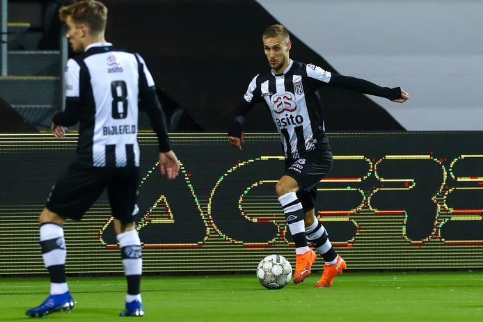 Van der Water keerde terug in de basis van Heracles dat pijnlijk verloor van RKC Waalwijk.