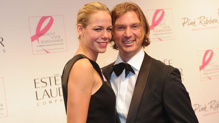 Nicolette Kluijver met haar partner op het Pink Ribbon Gala. Beeld ANP