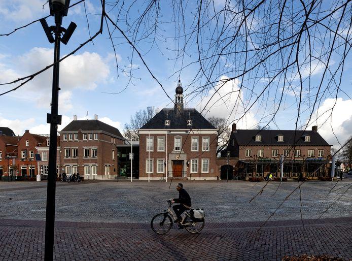Het gemeentehuis aan het Ridderplein in Gemert-Bakel.