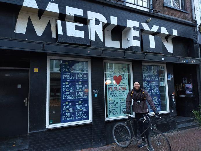 Stefan School fietst 1500 km door Nederland om aandacht te vragen voor de noodlijdende poppodia en geld in te zamelen voor No Guts No Glory.