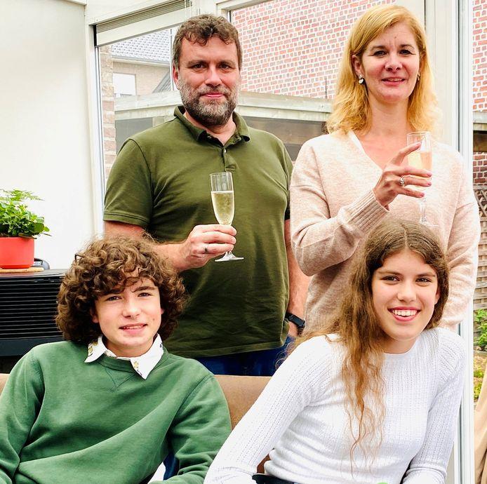 Jan Asselman met echtgenote Ann Van Laere en zoon Jasper en dochter Lara.
