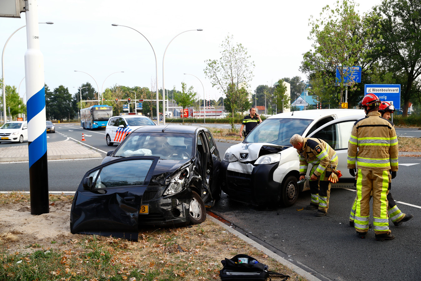 Het ongeluk gebeurde op de kruising Katerdijk met de oprit naar de A28 Zwolle-Centrum.