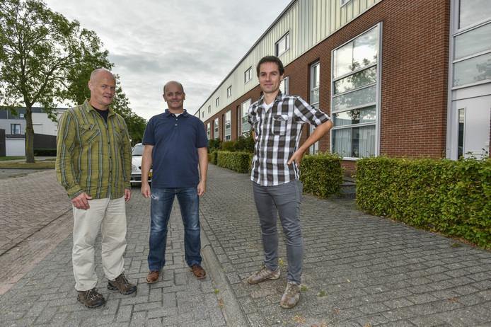 Jeroen van Vlierden, Derk Jansen en Joeri Haast (vlnr) van de stichting Reeshofwarmte.
