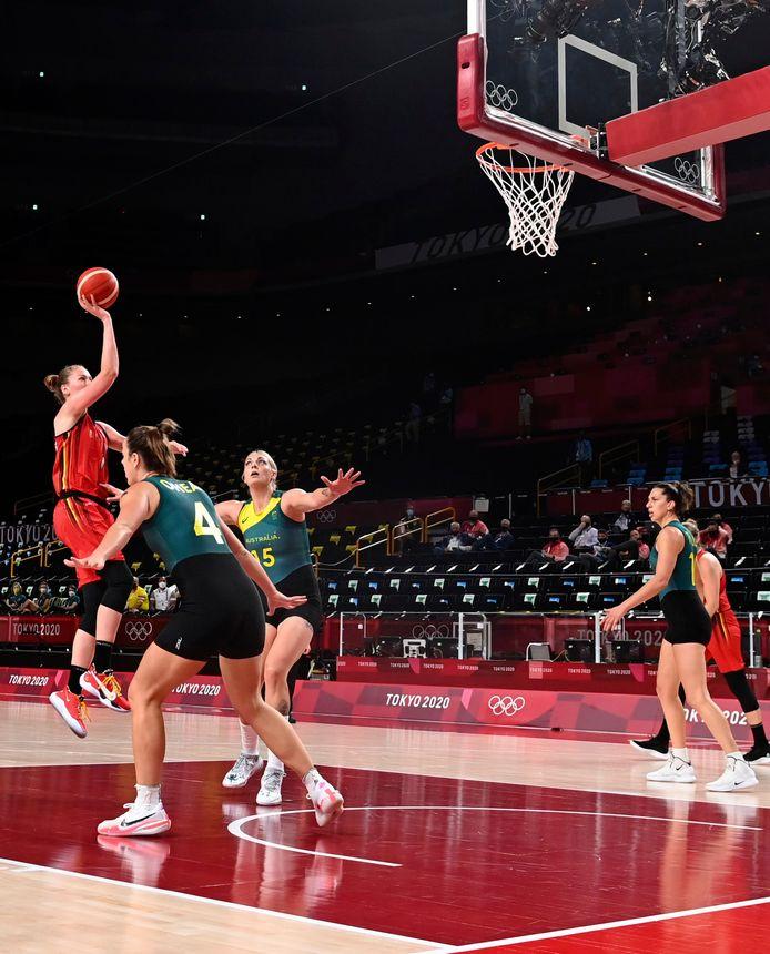Emma Meesseman tegen Australië.