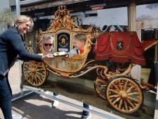 Op de foto met 'gouden koets' in Zevenaar: 'Mensen willen toch een beetje vertier'