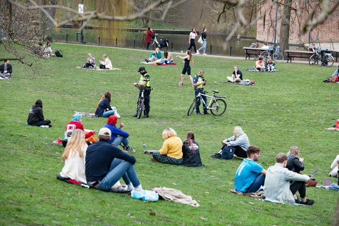 Extra politietoezicht in het Nijmeegse Kronenburgerpark.