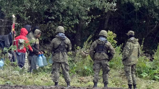 Polen verhoogt aantal soldaten aan grens met Wit-Rusland