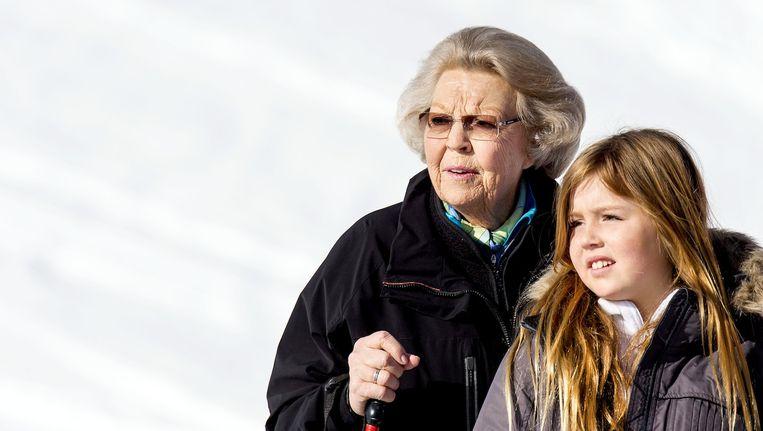 Alexia eerder deze week in Lech met haar grootmoeder Prinses Beatrix Beeld anp