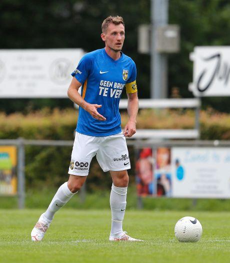 Contractverlenging bij Vitesse: Modelprof Hajek tekent jaar bij in Arnhem