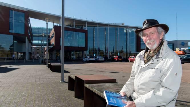 Schrijver Jan Hulsegge (85) laat twee brute moorden plegen tijdens het Schoolfeest in Goor in zijn nieuwe thriller