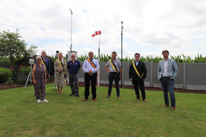 Meteo Tollembeek in Galmaarden bestaat 10 jaar, geen groot feest, maar wel een bezoek van het voltallige schepencollege.