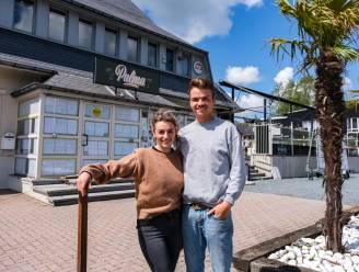 "Sam (28) en Laura (23) toveren iconisch danscafé The Venue om tot streetfoodbar Palma: ""Leuke vibes, lekkere drankjes en puur plantaardige voeding"""
