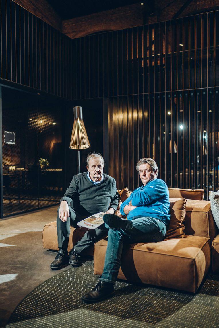 """Jan Callebaut en Guillaume Van der Stighelen: """"Zolang het bergop gaat met een partij, of een bedrijf, roept iedereen bij elke scheet die je laat dat hij fantastisch is."""" Beeld Thomas Sweertvaegher"""