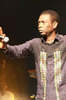 Youssou N'Dour zorgt voor broeierig Afrikaans feestje in Eindhoven