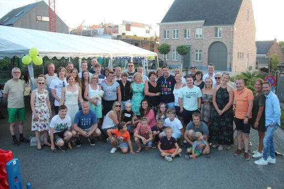 In de Glazen Torenweg werd voor de 15de keer een buurtbarbecue gehouden.