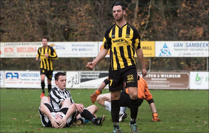 Spits Gijs Bens van SES in een eerder duel. Hij was vandaag verantwoordelijk voor de 0-3. Archieffoto.