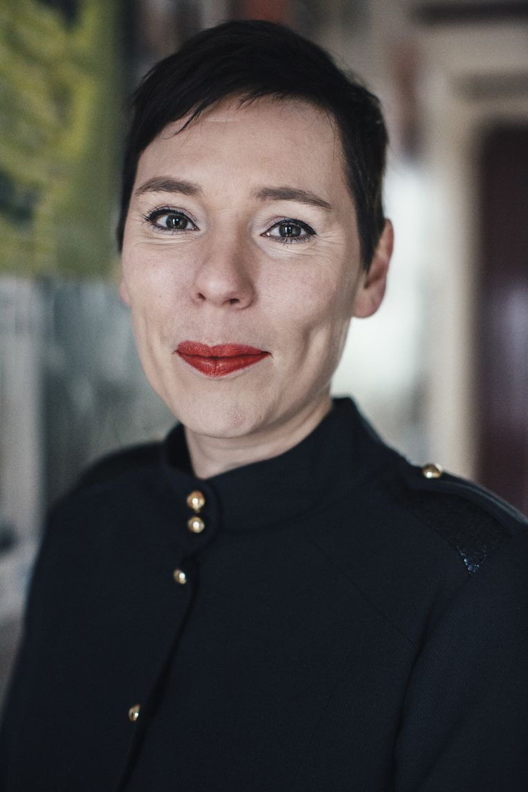 Annelies Verbeke: 'Deze maand zou de Franse vertaling van 'Dertig dagen' uitkomen, waarover ik niet één vraag kreeg. Dat baart me dan zorgen.'  Beeld Joris Casaer