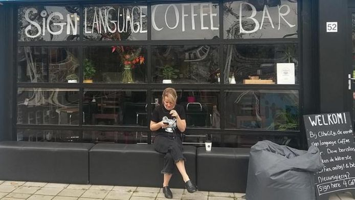De Sign Language Coffee Bar opent donderdag in Amsterdam.