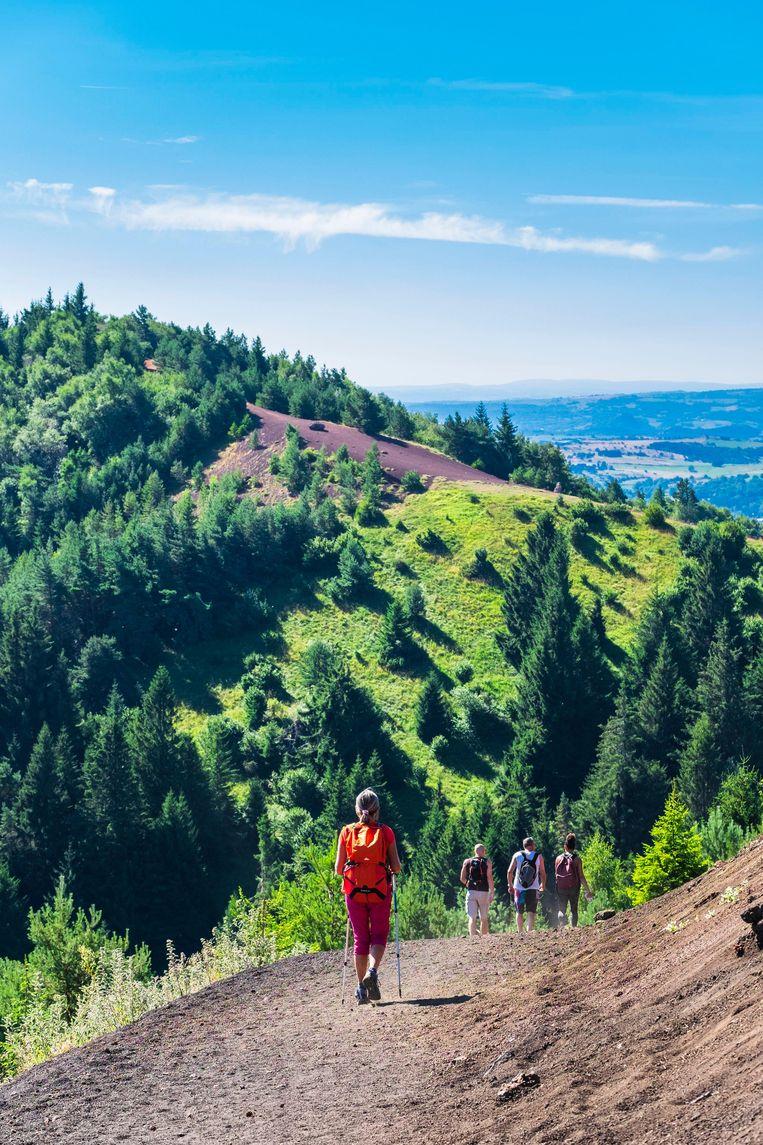 De Puy de Dôme, parel van de Auvergne en geliefd bij wielrenners én wandelaars.  Beeld Alamy Stock Photo