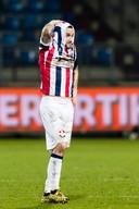 Ongeloof en ontzetting bij Pol Llonch na de 1-3 thuisnederlaag tegen PEC Zwolle, mede doordat Kwasi Wriedt onterecht rood kreeg vlak voor rust.