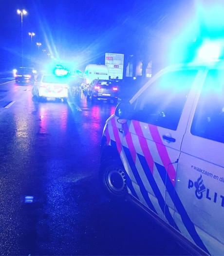 Gedupeerde ziet gestolen auto via volgsysteem rijden in Lent, dief gepakt