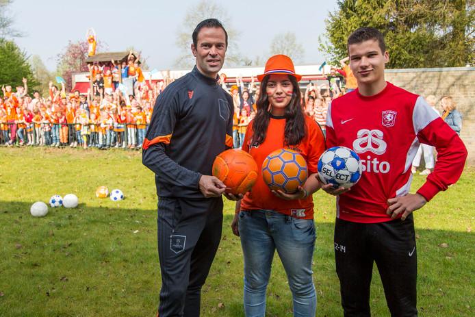 Tim van de Schepop (rechts) was eigenlijk al vertrokken bij FC Twente, maar is inmiddels toch weer teruggekeerd op het oude nest.