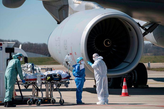Transfert d'un patient à l'aéroport de Bâle-Mulhouse (31 mars)