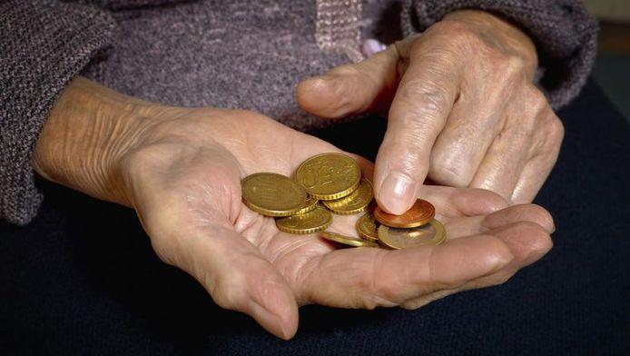 Een op de vier Vlamingen voelt zich arm.