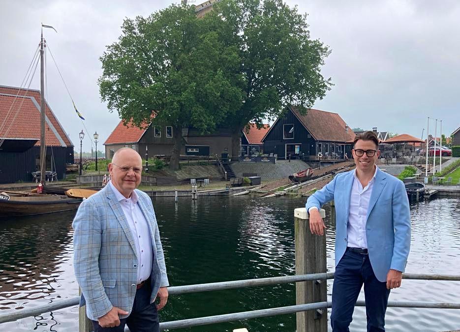 Wethouder Bert van Bijsteren (l.) en de kersverse VVD-lijsttrekker Menno Doppenberg.