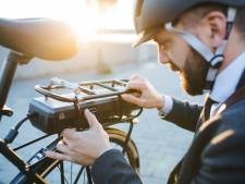 Stelling | Helmplicht voor snorfietsers? Dan ook voor e-bikers!