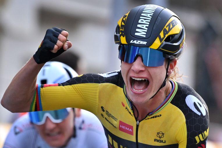 Marianne Vos viert haar overwinning in Gent-Wevelgem.  Beeld Belga