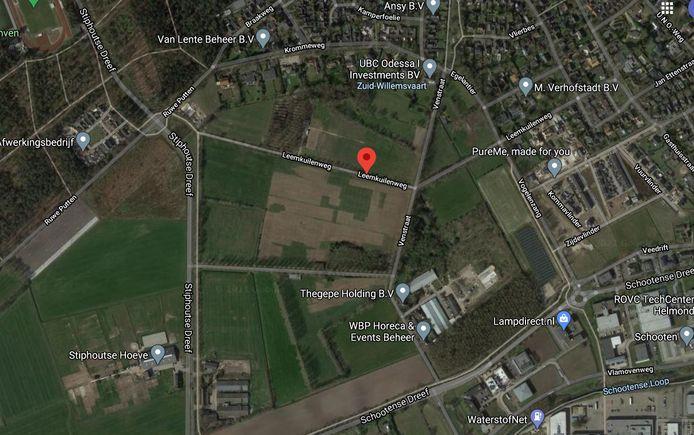 Het plangebied van het zonnepark Stiphout ligt aan weerszijden van de Leemkuilenweg.