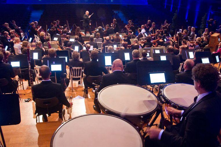 Het Brussels Philharmonic bij een optreden in Flagey. Beeld BELGA